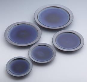 縁鉄砂呉須釉皿